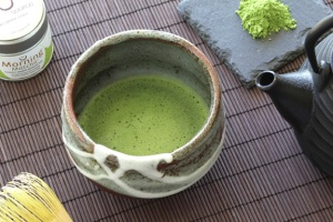 matcha source tea in onishino bowl